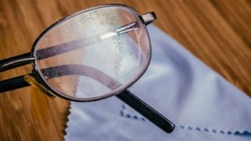 how-to-repair-scratched-glasses