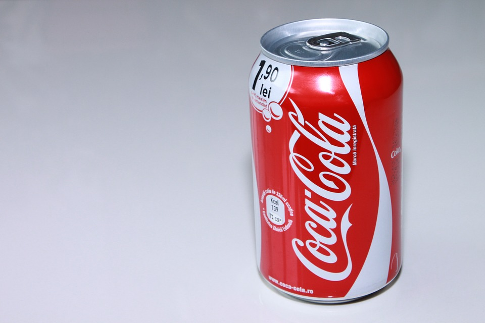 Real answer on why the coca-cola logo is color red