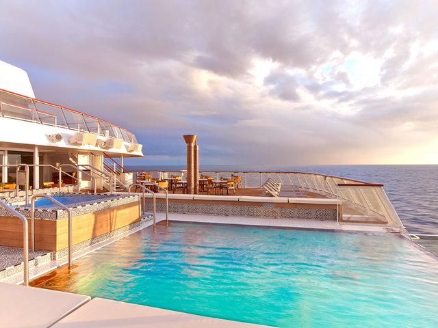 8-month trip amenities